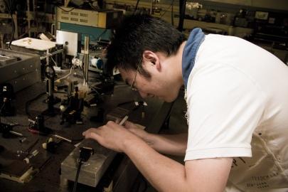 Visit to Purdue Optics Lab-026