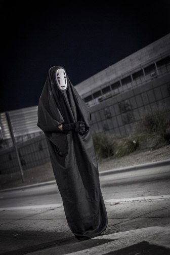 No face making a notable appearance, begging for someone to let him in from the offramp.